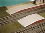 SS62 Wills: OO BUILDINGS KITS  Station Platform Ramps (pair)